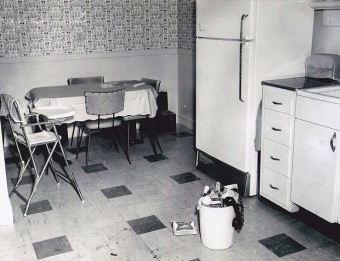joan-risch-kitchen-crime-scene-phone